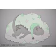 Slapend draakje op wolk achterplaat met sterren (naam optioneel) (78x60cm)