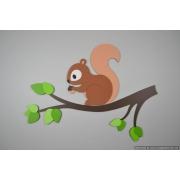 Eekhoorntje op tak (56x45cm)