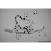 Afgebroken tak met tijgertje en vlinder (kleurtint te kiezen) (80x63cm)